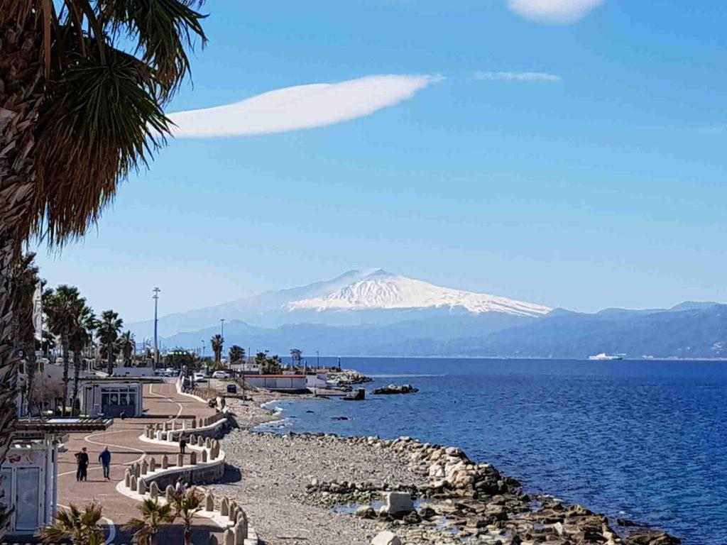 Vista dal lungomare di Reggio Calabria